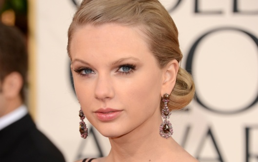 taylor-swift-no-globo-de-ouro-2013